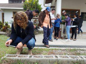 Citizens in Honduras undergo training to monitor infrastructure projects.