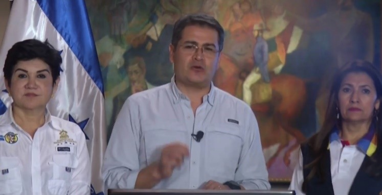 Honduran President calls for construction of 93 health facilities to use CoST approach.